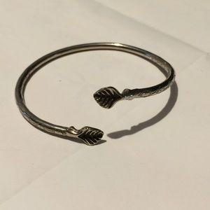 Vintage silver tone leaf bangle bracelet
